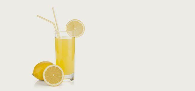 10 Die besten Vorteile von Zitronensaft für Haut, Haare und Gesundheit