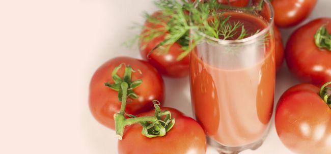 10 Die besten Vorteile von Tomatensaft für Haut, Haare und Gesundheit