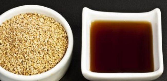 10 Fabulous Vorteile von Sesamöl für die Schönheit Ihrer Haut und Haar
