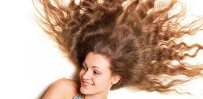 10 Möglichkeiten, fettiges Haar zu schlagen