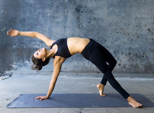 7 Surprising Gründe, die Sie tun Yoga jetzt (einschließlich Geschlecht) werden sollen,