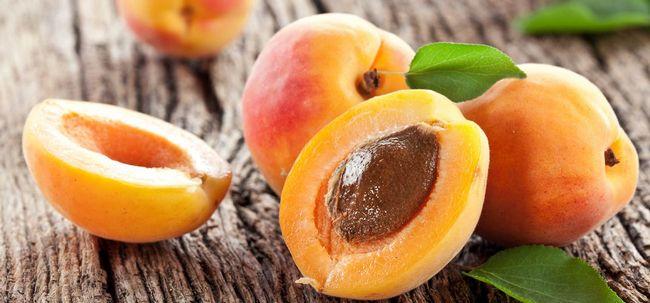 13 Top Vorteile von Aprikosenkernen für Haut, Haare und Gesundheit