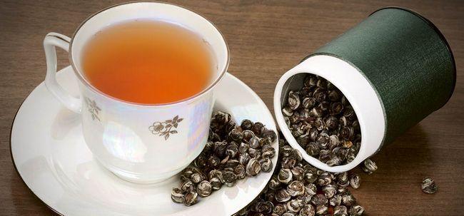 14 Top Vorteile von Oolong-Tee für Haut, Haare und Gesundheit