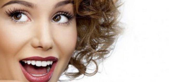 14 Einfache Fünf-Minuten-Beauty-Tipps und Tricks