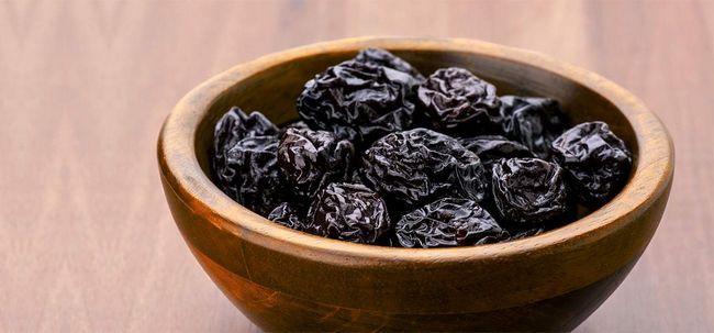 15 Top Vorteile von Prune (Sukhe aloo Buchara) Saft für Haut, Haare und Gesundheit