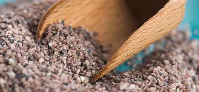 19 Top Vorteile der schwarzen Salz (Kala namak) für Haut, Haare und Gesundheit