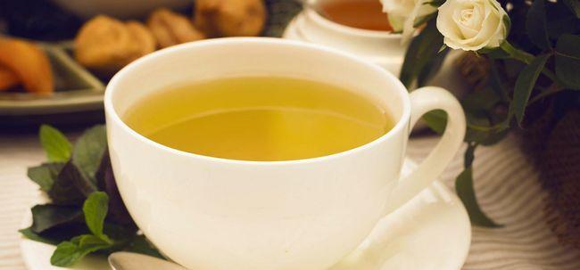 2 Einfache Möglichkeiten grünen Tee bereiten