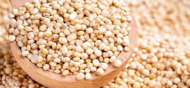20 Erstaunliche Vorteile von Quinoa für Haut, Haare und Gesundheit