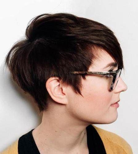 20 Kurze Frisuren für runde Gesichter