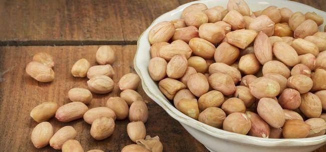 29 Erstaunliche Vorteile von Erdnüssen (mungfali) für Haut, Haare und Gesundheit