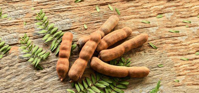 30 Erstaunliche Vorteile von Tamarinde (imli) für Haut, Haare und Gesundheit