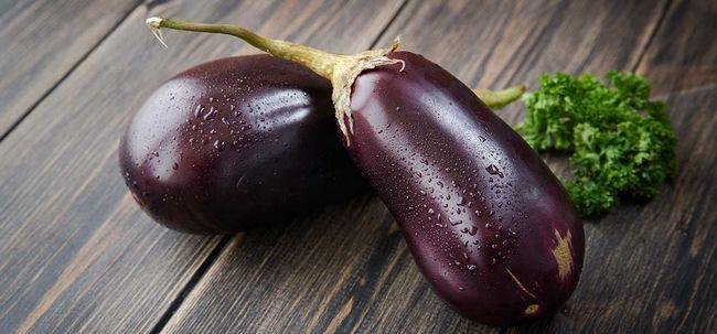 35 Erstaunliche Vorteile der Aubergine / Aubergine (baingan) für Haut, Haare und Gesundheit