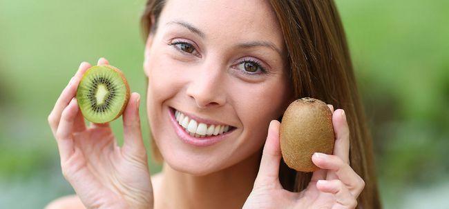 36 Erstaunliche Vorteile der Kiwi für Haut, Haare und Gesundheit