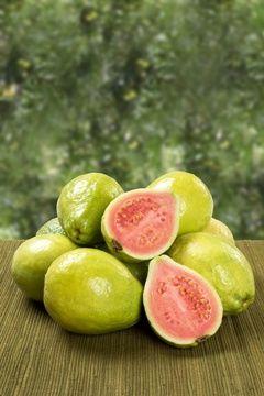 8 Nutzen für die Gesundheit des Essens Guaven