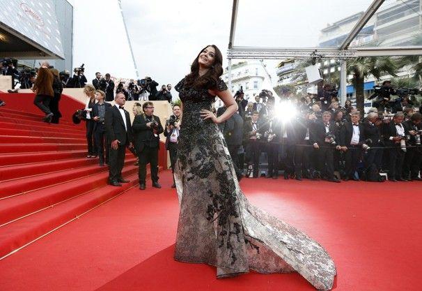 Aishwarya Rai in elie saab & Make-up Zusammenbruch: cannes 2013