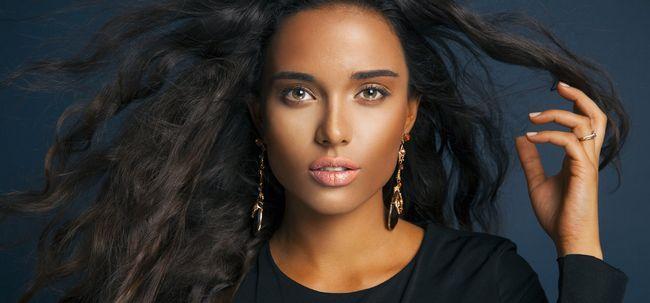Grund Make-up-Tipps für Schönheiten mit dunkler Haut