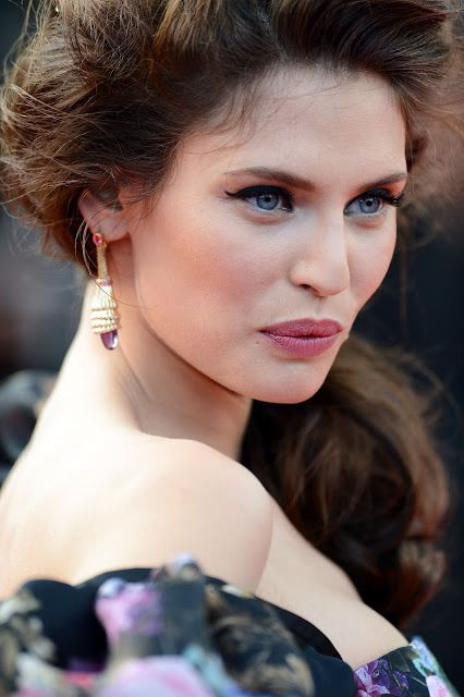 Bianca balti cannes 2012: Kleid, Make-up, hinter den Kulissen Video