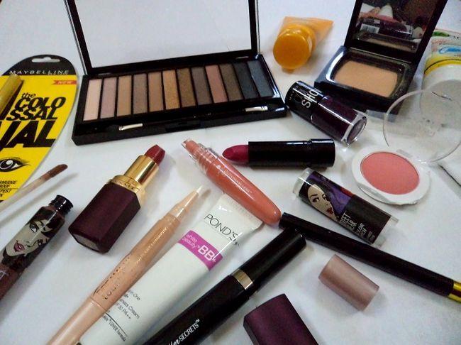 Budget Make-up-Kit für Schule / Hochschule / Büro und Anfänger - indische Version