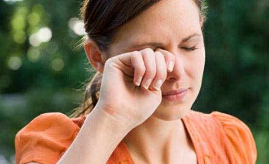 Hausmittel für juckende Augen Behandlung