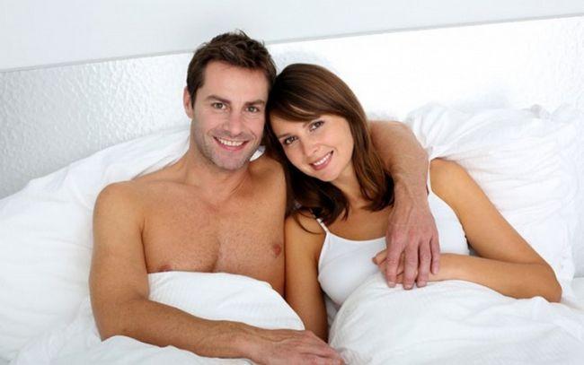 Wie pinkeln Hinsetzen kann Ihr Sexualleben helfen