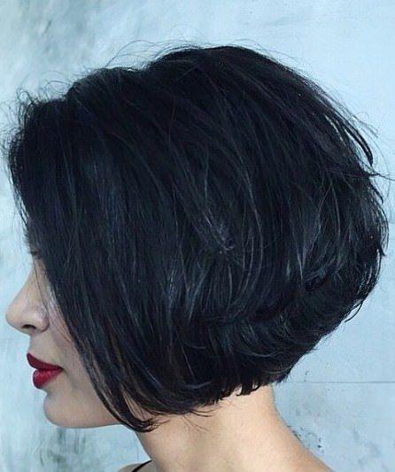 Kurz geschichteten Frisuren