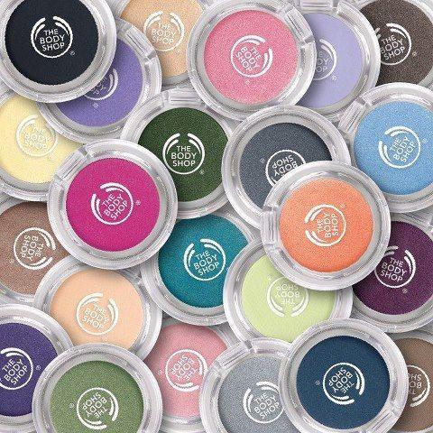 Die Farb Crush Eyeshadows durch den Karosseriebau