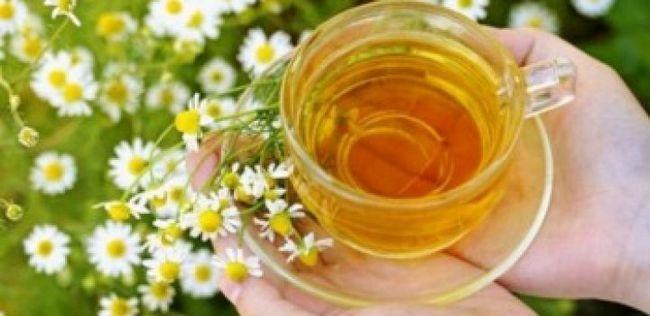 Top 10 Kamillentee Vorteile für die Gesundheit, Haut und Haar