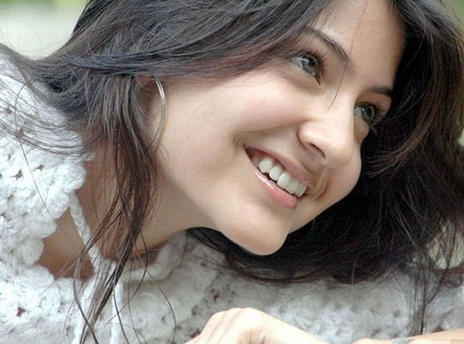 Top 10 Bilder von anushka sharma ohne Make-up