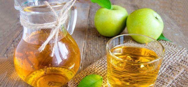 Top 26 erstaunliche Vorteile von grünen Äpfeln für Haut, Haare und Gesundheit